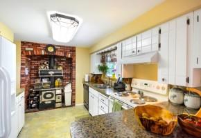 Идеи за кухнята: Как да подредим кърпите красиво и удобно